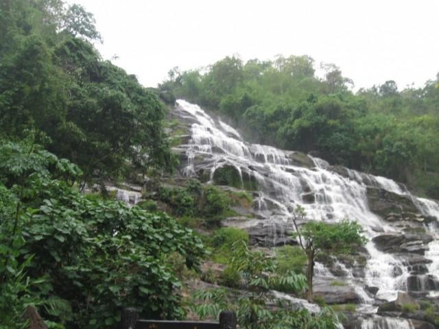 Водопад без таблички