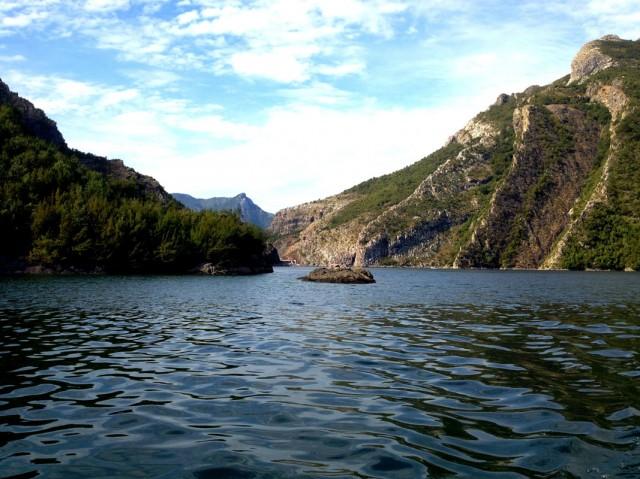 Komani Lake 01