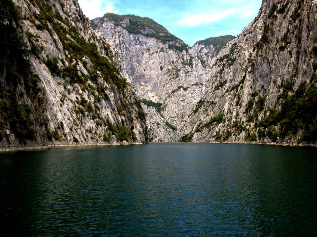 Komani Lake 10