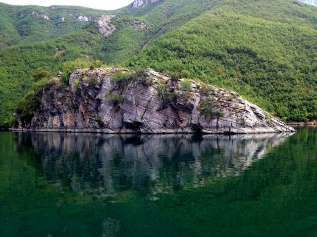 Komani Lake 08