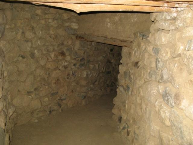 Внутренние туннели. Не все из них такие хорошо сохранившиеся