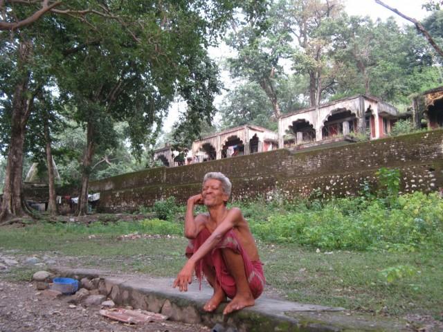 На входе в Махариши Ашрам, Ришикеш