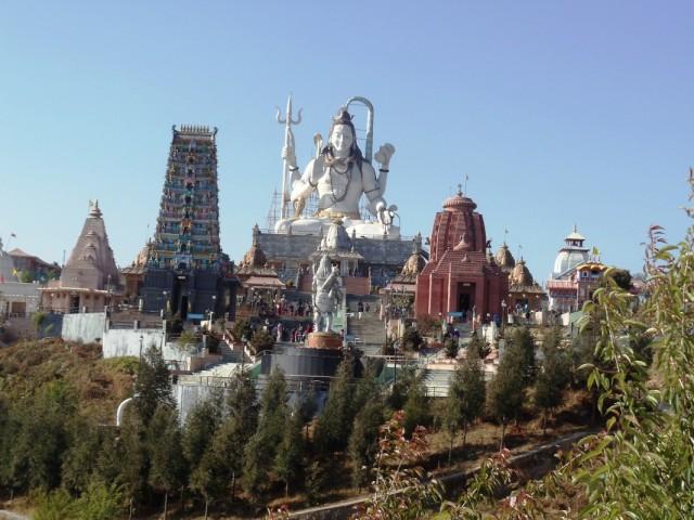 Комплекс храмов Лорда Шивы. На территории этого комплекса вы можете ознакомится со всеми видами храмов в Индии. Интересно!!!
