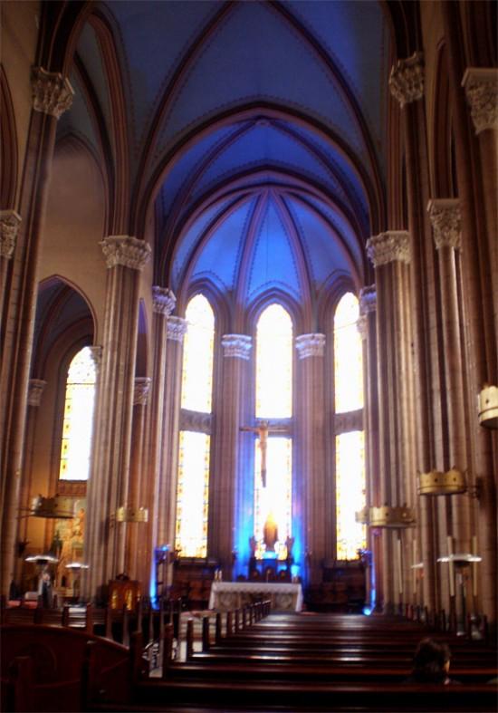 Внутри церкви Св. Антония