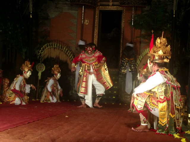 Танцы 03