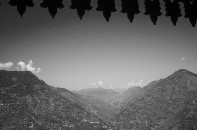 Вид их храма Шринга Риши
