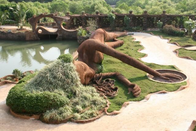 Скульптура из Гауди-хауса