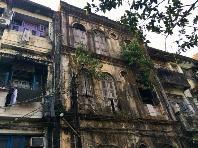 По Янгону 02