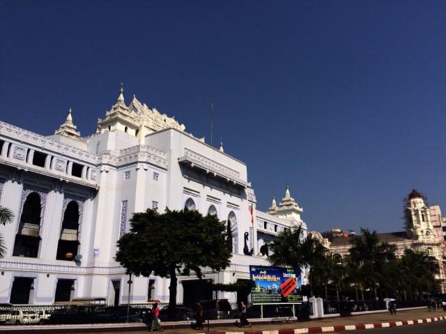 По Янгону 04