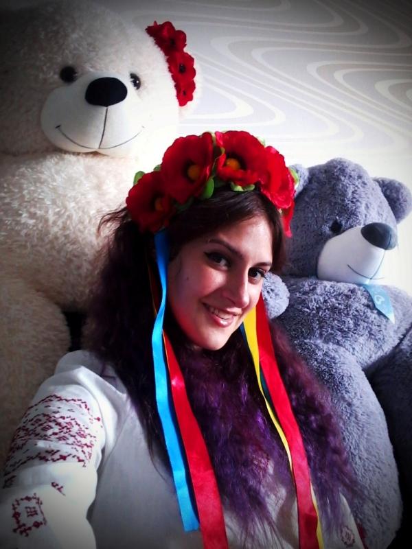 гарна дiвчина Оксана в цвете
