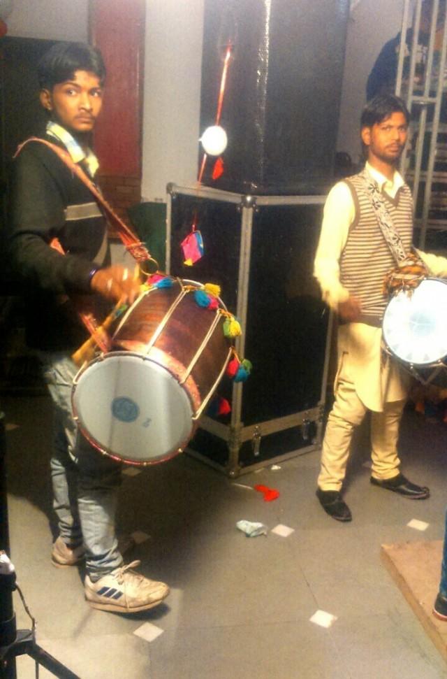 Барабанщики с дхолами