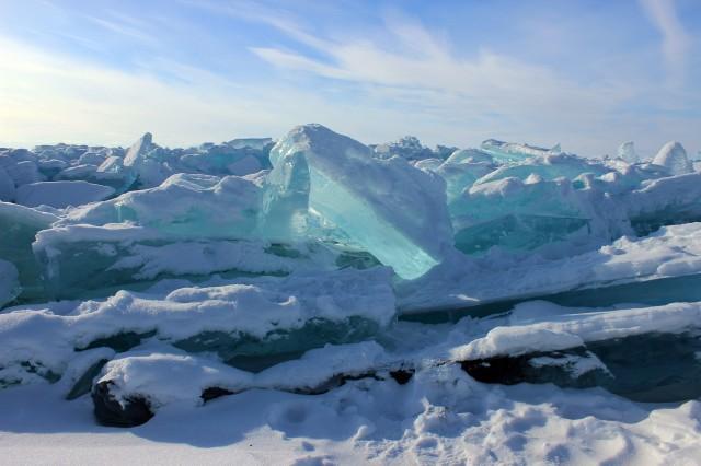 голубой лёд получается из-за давления