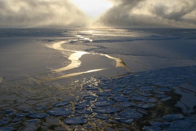 замерзающий Байкал