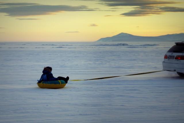 """маленькая безымянная гора на горизонте, я её называю """"фудзияма"""", характереный пейзаж пляжа"""