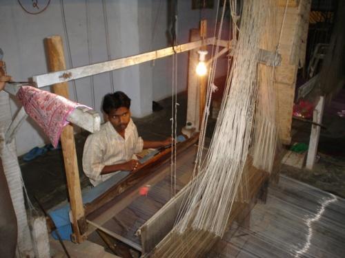 Процесс производства шелкового сари