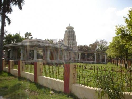Храм Сарасвати в Санскритском Университете