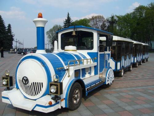 Голубой вагон бежит-качается... Марьинский парк.