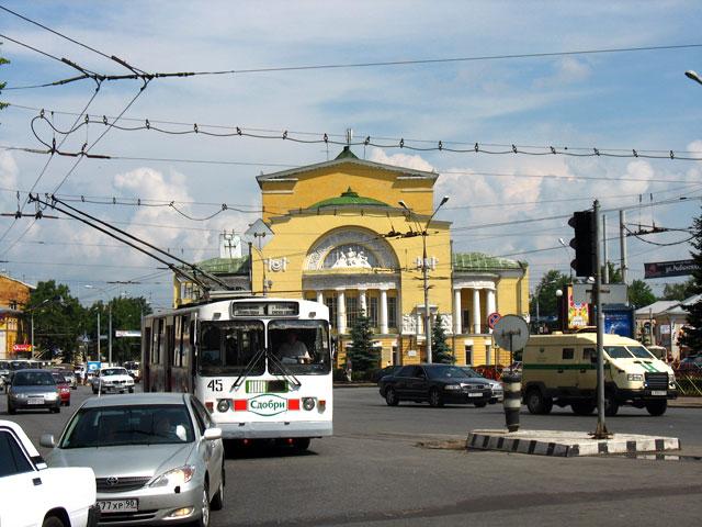 Первый русский театр был построен в Ярославле