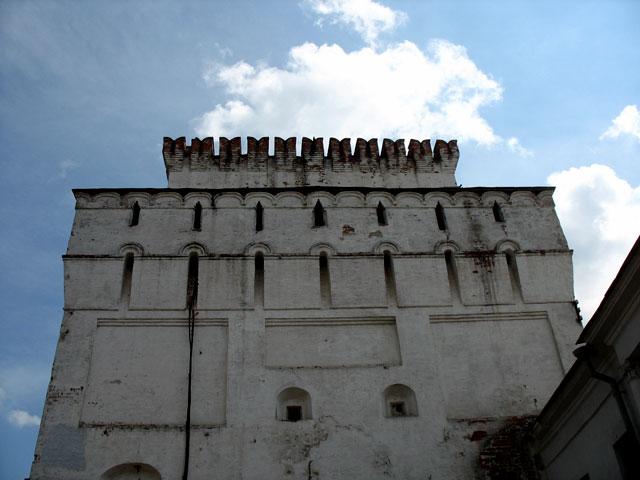 Монастырская стена