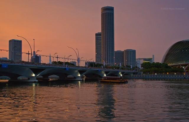 Singapore,  Esplanade Dr., Raffles City.
