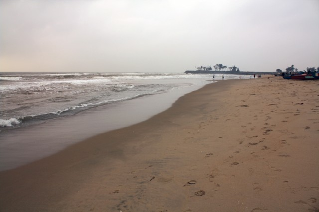 дикий пляж в другую сторону