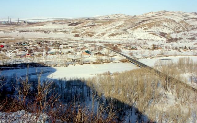 Река Ульба скована льдом