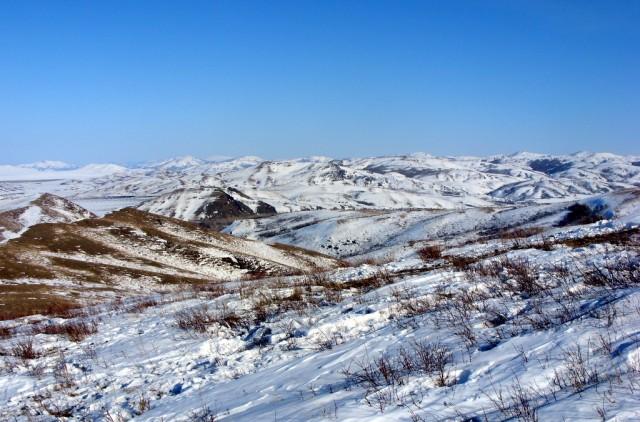 Снежные просторы казахстанского Алтая