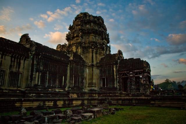 Ангкор - храм у центрального входа