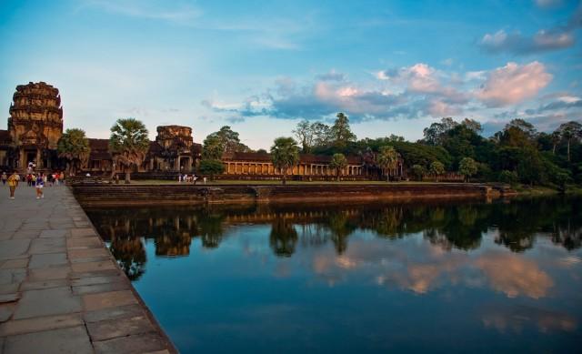 Ангкор - вид на центральный вход