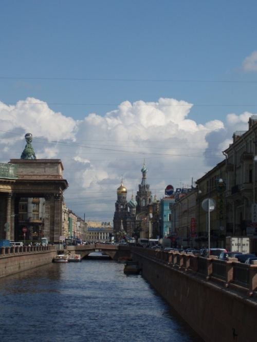 вид на церковь Спаса на крови с Банковского моста