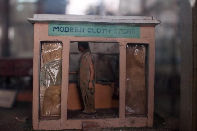 современный магазин одежды:)