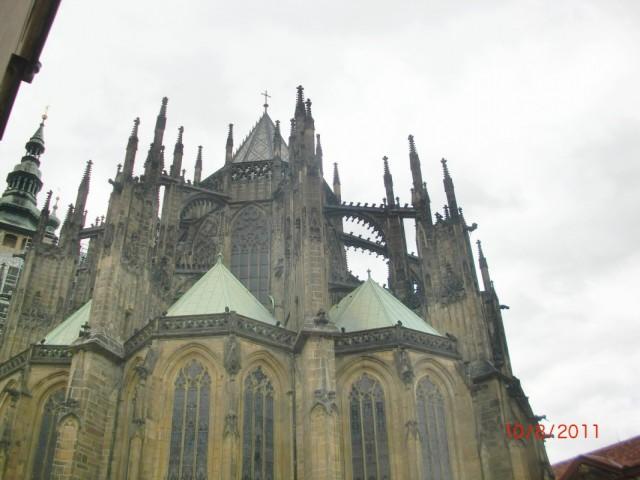Собор Св. Вита с обратной стороны