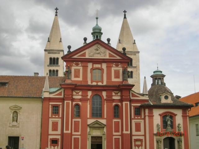 Исторические здания внутри Пражского Града 2