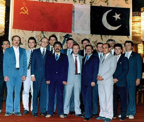 на приеме генконсула СССР 7 ноября 1987