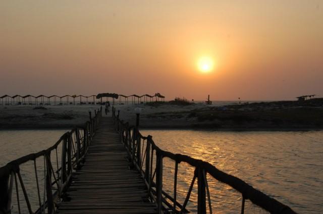 Дорога на пляж, Мандрем