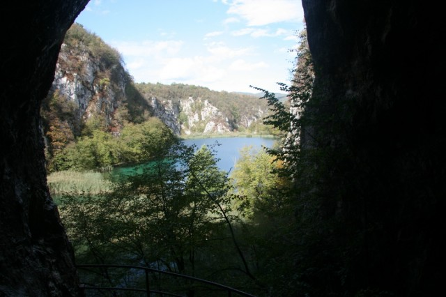 отличный вид из пещеры