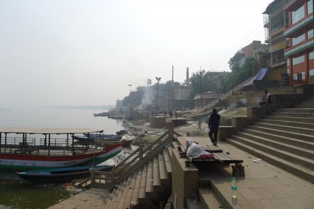 Вдалеке дымит burning ghat#2