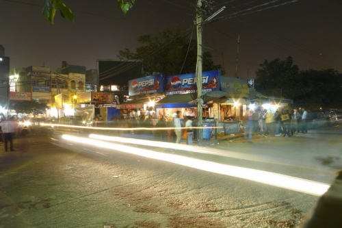 А это снова Дели. Фудкорнер в Ладжпатнагаре