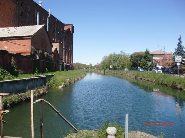 Канал от  Милана к Павии