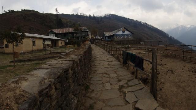 Славный поселок Шин Гомпа