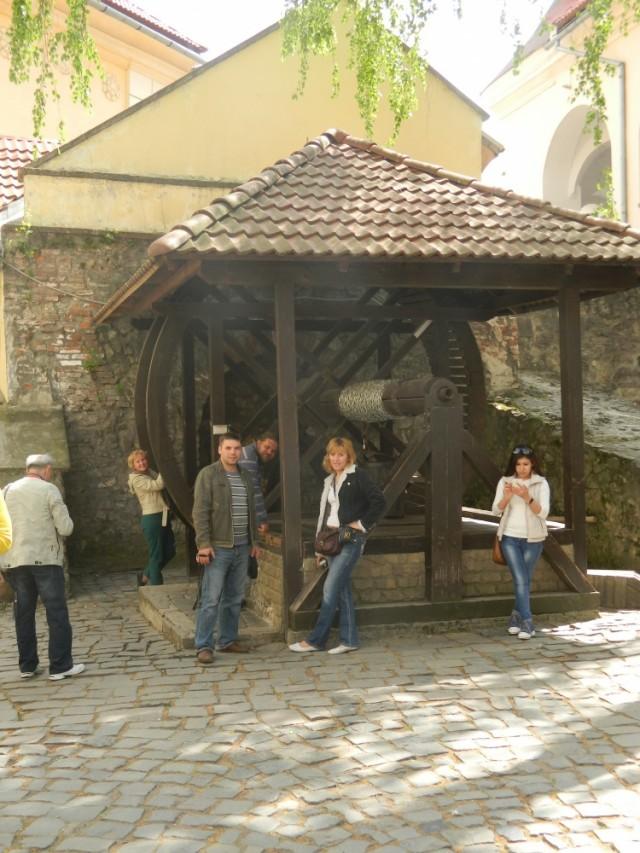 замковый колодец