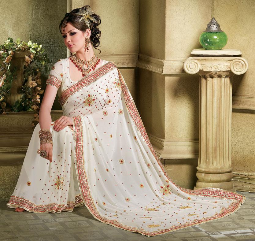 Из истории Считается, что Сари - самая древняя женская одежда.
