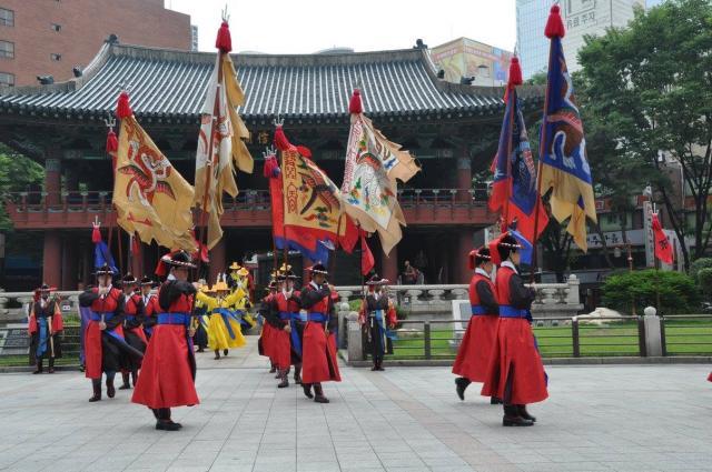 Корея вас встретит торжественно 🔥😉