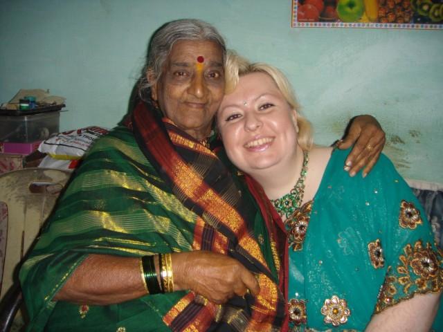 я и бабушка моей индийской мамы