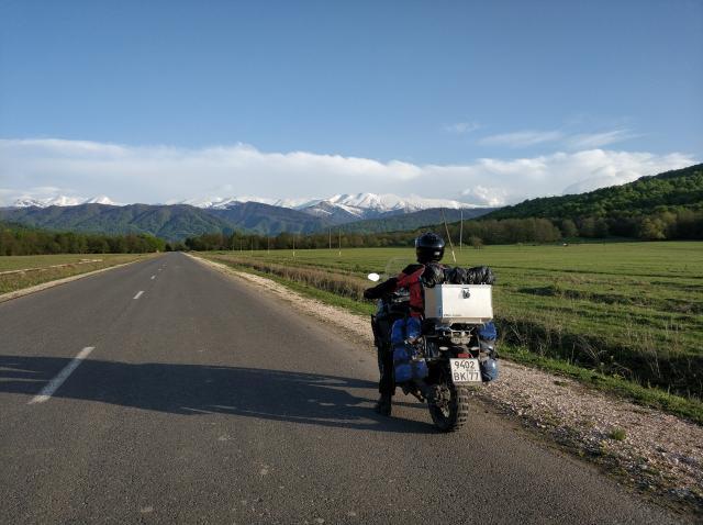 Впереди снова горы