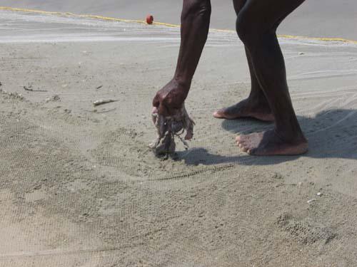 Кальмары- ненужный индийскому рыбаку хлам