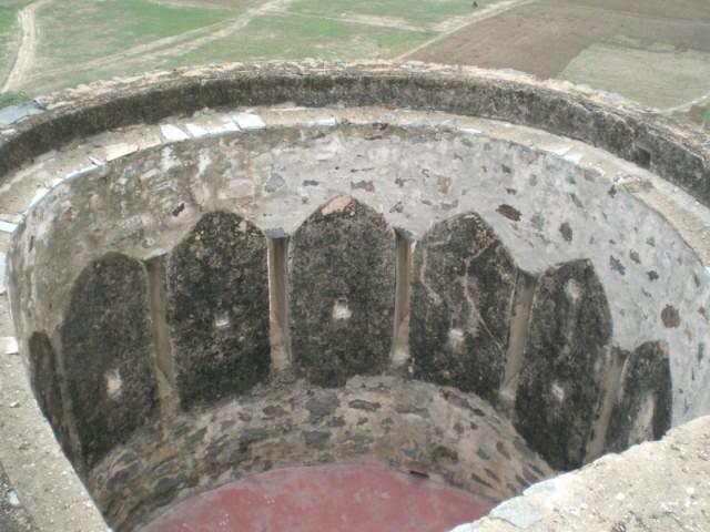 башня, вход туда заложен кирпичом