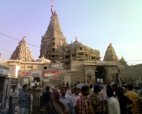 храм Дваркадиш ,главный вход