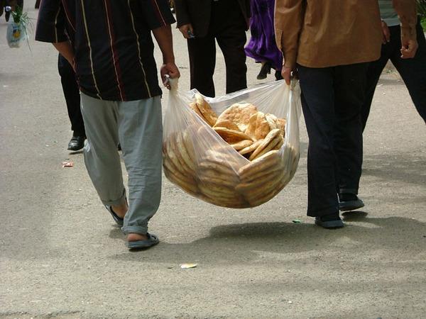 Лепёшки едут на базар