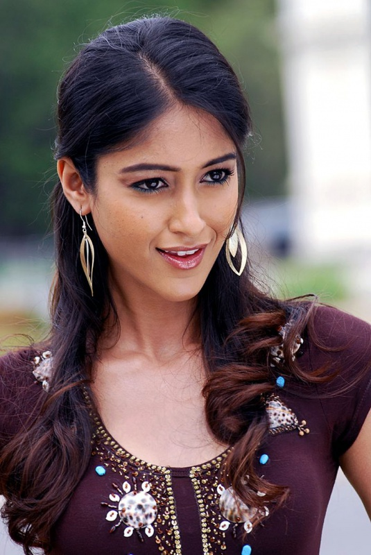 Фото индиские красивие девушки в джинсах